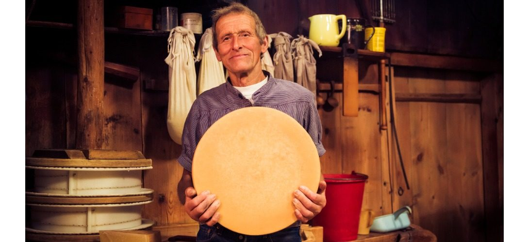 traditional-cheesemaking